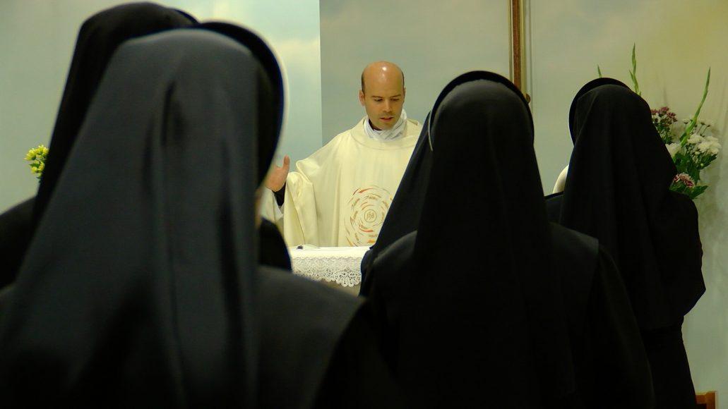 L' AMORE AL CENTRO: SR JOYCEMARY