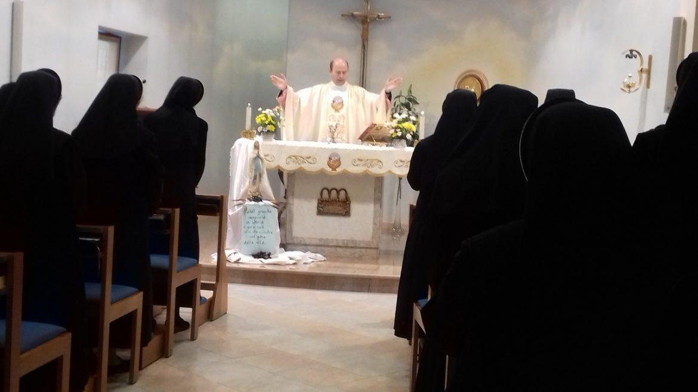 Giugno 2019: Esercizi spirituali a Rivalba II TURNO - cappella castello